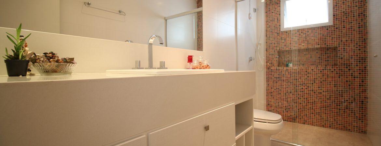 O uso de nichos em banheiro